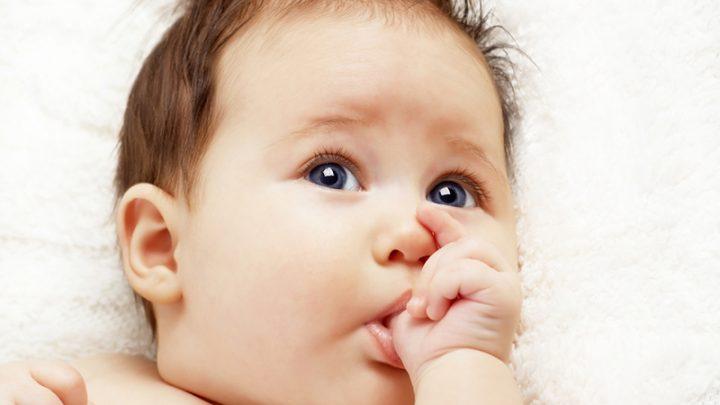 Wenn Babys Und Kinder Am Daumen Lutschen – Sollte Man Das Abgewöhnen?
