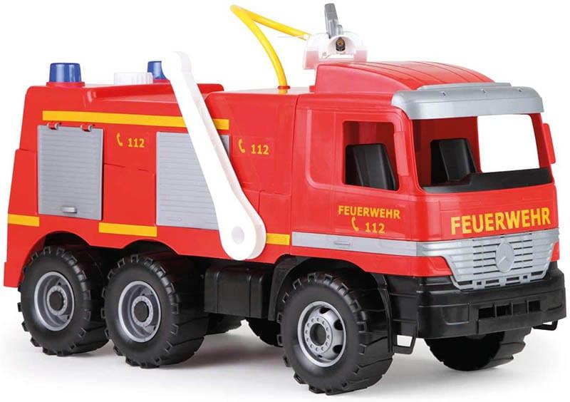 Lena Starke Riesen Feuerwehr Mercedes-Benz Actros
