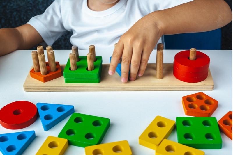 Montessori-Spiele für die kindliche Entwicklung