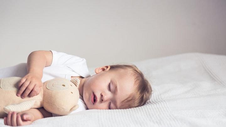 Baby schläft viel – Mehr über den Babyschlaf erfahren