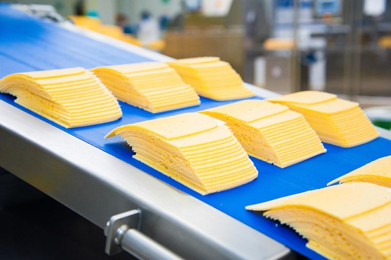 Industrielle Herstellung von Schmelzkäse in Fabrik